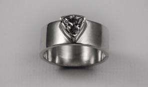 Trillion set ring