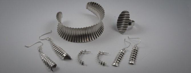 Corrugated jewellery