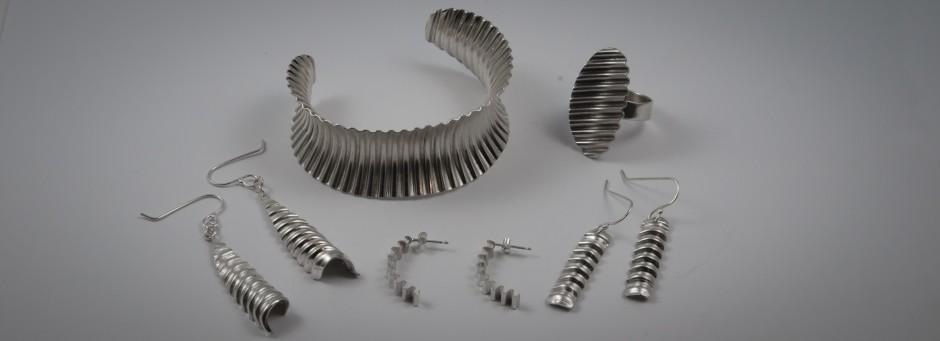 Corrugated jewellery
