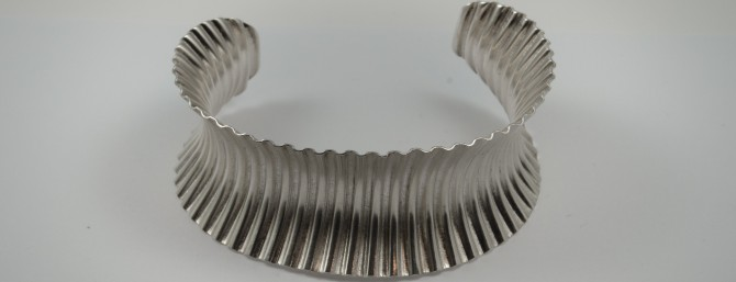 Corrugated cuff